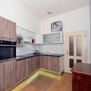 Prodej bytu 1+kk, 46m2, Vyšehradská, Praha 2 – Nusle - 3